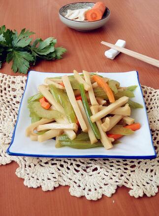 竹笋炒芹菜